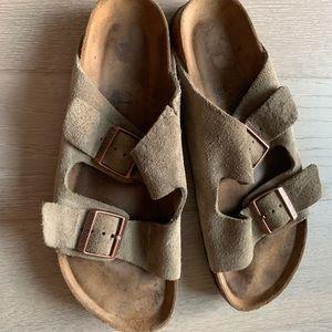 Birkenstock taupe soft footbed Arizona Suede 41